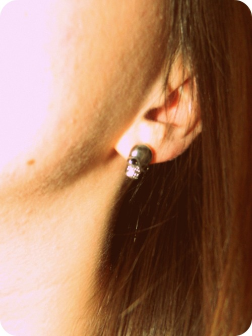 I love these little skull earrings. They were only $1 at H&M.